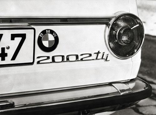 Heck-Emblem des BMW 2002 ti