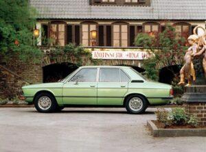 tationen einer Entwicklung 1972: BMW 5er Reihe - Ein starkes Angebot in der Oberklasse gebaut im neuen Werk Dingolfing