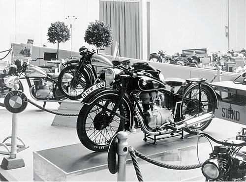 Nachkriegsmaschinen der Baujahre 1948 - 1956. R 24 - 247 ccm ohv 9 kW (12 PS)