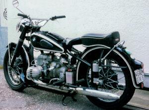 Nachkriegsmaschinen 1950 - 1956. R 51/3 - 1950 - 1954, 494 ccm ohv, 18 kW (24 PS) R 68 - 1952 - 1954, 594 ccm ohv, 26 kW (35 PS)