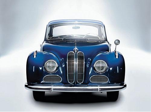 Ab 1954 gab es bei BMW einen 8-Zyl., den ersten nach dem Krieg, in Deutschland
