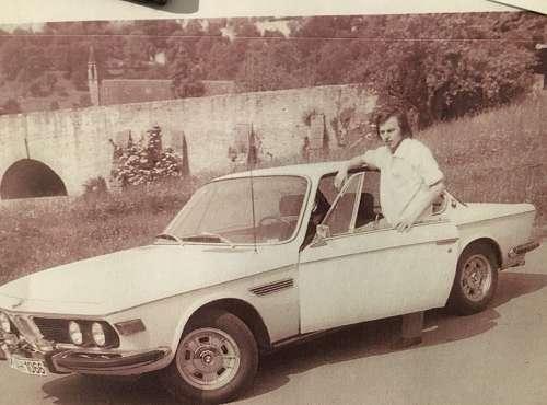 Neue, geräumige und betont schalich gestaltete Karosserien sowie moderne, leistungsfähige Sechszylinder - ab 1971 auch mit Benzineinspritzung - kennzeichnen die Rückkehr in die Oberklasse.
