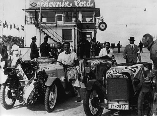 Beim Eifelrennen am 20.07.1930 fielen der 1., 2. und 3. Preis in der 800 ccm-Klasse an Fahrer auf 3/15 PS BMW Sportwagen