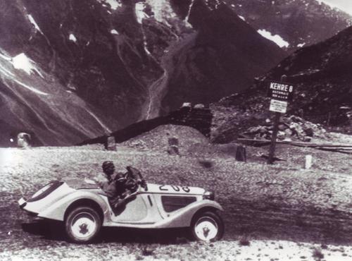 Schon die ersten BMW-Roadster mit Sechszylindermotoren, die Typen 315/1 und 319/1, prägten den Straßenrennsport Mitte der 30er Jahre.