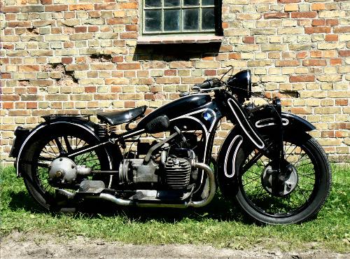 745 ccm, sv 13/15 kW (18/20 PS), 1929 - 1934 gebaut. Pressstahlprofile für Rahmen und Gabelholme ersetzen die bisherigen gemufften und verlöteten Rohre. Die fünfte Serie erhält 1934 eine kettengetriebene (vorher Zahnräder) Nockenwelle sowie zwei Vergaser