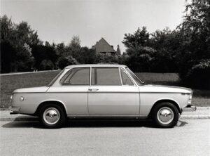 Mit der 02-Reihe setzt BMW international neue Maßstäbe: kompakte aber dennoch geräumige Karosserien und modernste Fahrwerkstechnik in Verbindung mit einer Palette besonders leistungsfähiger Motoren